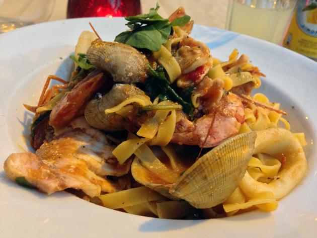 seafood-tagliolini-at-osteria-tufo